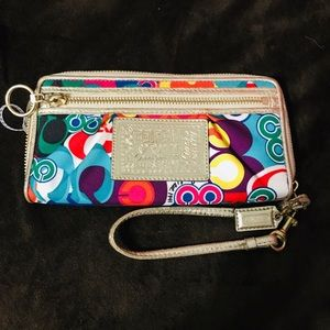 Coach Poppy Multicolor All Around Zipped Wallet